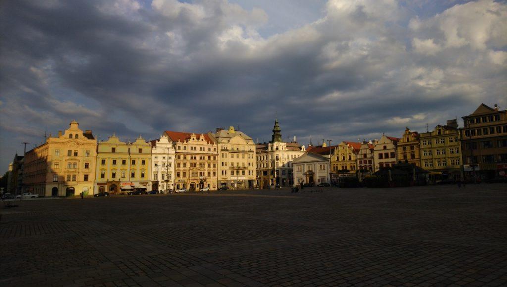 Marktplatz in Pilsen in der Abendsonne